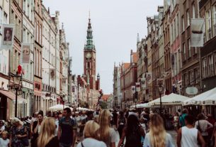 Foreign students studying in Poland record 1,008% growth in 18 years - Global Education Times