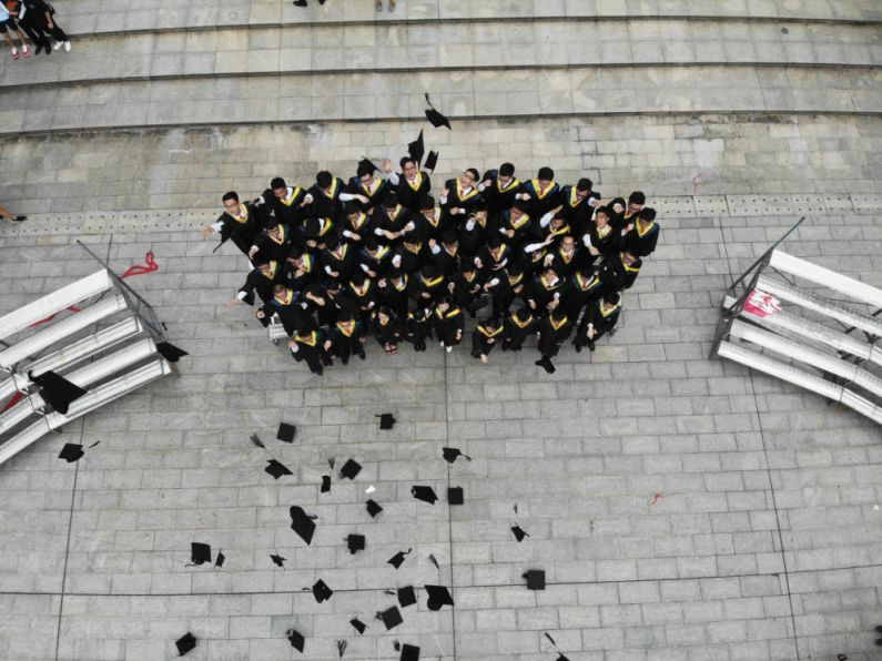 Graduates earn more by over 20% in the UK - Global Education Times